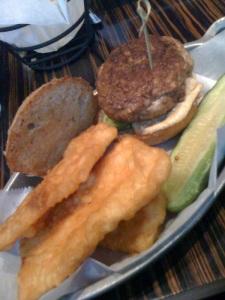 turkey burger with avocado & hummus / sweet potato fries